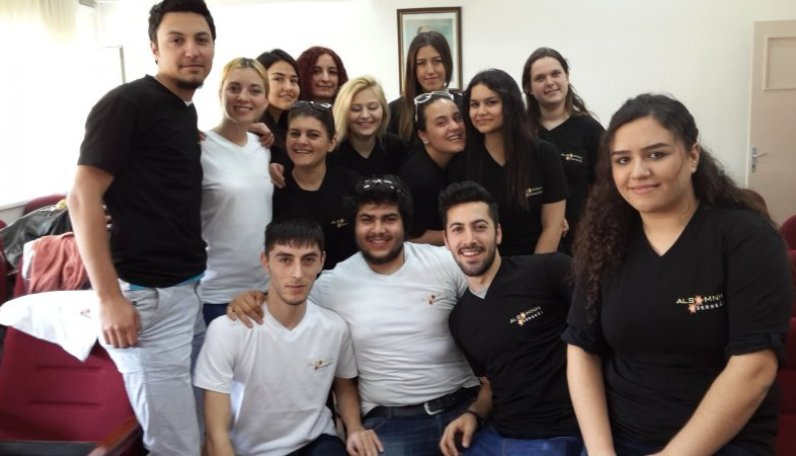 Gönüllü Üniversite Öğrencileri