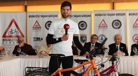 Bisikletle Belçika'dan Japonya'ya, Ignace Van den Broeck